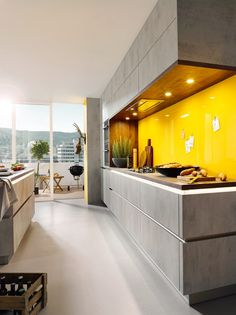 Schüller Elba German Kitchen - The new Concrete quartz grey effect brings a high-level kitchen at a very affordable price. The design does not stop at 60s Kitchen, Kitchen Doors, Kitchen Units, Home Decor Kitchen, Kitchen Ideas, Kitchen Yellow, Kitchen Layouts, New Kitchen Designs, Modern Kitchen Design