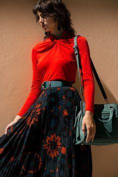 4fbfeeff52 Styled by  Courtney Smith.Hair  Ana Fernandes.
