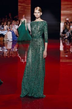 ELIE SAAB Haute Couture Autumn-Winter 2013-14. IN THE GREEN THAT I TOLD YOU ALL WOULD GO TRENDY. I MARKED IT. I MARKED IT!