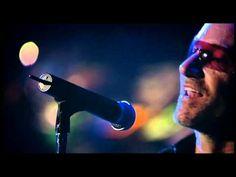 U2 Playing Original Of The Species live in Chicago at their Vertigo Tour 2005. Full HD.