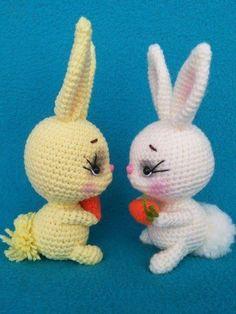 СХЕМА вязания кролика с морковкой крючком#схемыамигуруми #амигуруми #вязанаяигрушка #игрушкикрючком #вязаныйзаяц #amigurumipattern #crochetpattern #amigurumibunny #crochetbunny Crochet Teddy Bear Pattern, Easter Crochet Patterns, Crochet Doll Pattern, Amigurumi Patterns, Amigurumi Doll, Crochet Dolls, Doll Patterns, Crochet Unicorn, Doll Tutorial