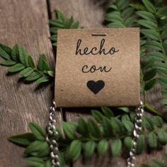 Jewelry Tags, Jewelry Holder, Diy Jewelry, Jewelry Making, Craft Fair Displays, Bijoux Diy, Craft Sale, Jewelry Packaging, Artisanal