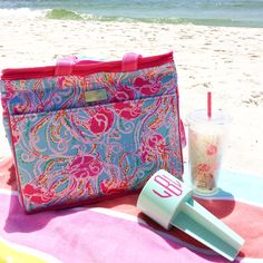 We LOVE how this Lilly Pulitzer beach set up