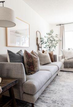 Living Room Grey, Living Room Sofa, Cozy Living Rooms, Living Room Interior, Home Living Room, Apartment Living, Living Room Designs, Sofa In Bedroom, Grey Living Room Furniture