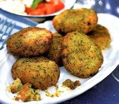 Middle Eastern recipes with pics | Falafel: Classic Middle Eastern recipe for vegetarian patties made ...
