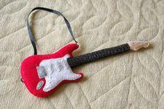 Guitarra Fieltro by ~NivRoem on deviantART