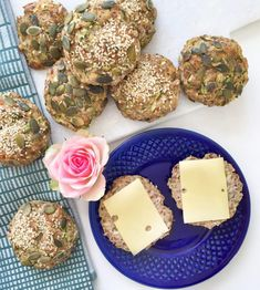 Posts about grøntsagsboller written by CopenhagenByMe Low Carb Recipes, Baking Recipes, Dessert Recipes, Healthy Recipes, Healthy Food, Cooking Bread, Keto Bread, Food Map, No Sugar Diet