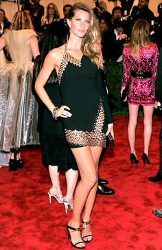 Gisele Bundchen looked fierce in an Anthony Vacarello one shoulder black mini dress. She always looks amazing and this dress looks amazing on her. I love the chain mail like embellishments along the bottom and top. Adore her heels too!