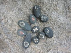 Stones with abstract motifs paint