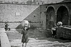 Italian Vintage Photographs ~ Campobasso, Italy in 1944 ~ Women of Campobasso still use the old Roman washing place for their laundry.