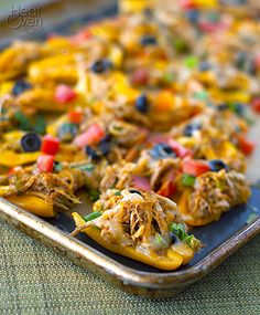 """Nachos without the chips? Mini Pepper Chicken Nachos ~ Heat Oven to success! These disappear just as fast as """"regular"""" nachos. Think Food, I Love Food, Food For Thought, Good Food, Yummy Food, Tasty, Paleo Recipes, Mexican Food Recipes, Low Carb Recipes"""