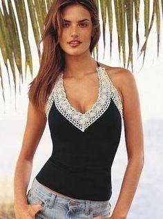 Idee voor de zomer....simpele hemdjes omgetoverd tot romantisch topje....met haken.