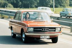 Audi 60 L von 1971 Maintenance/restoration of old/vintage vehicles: the material for new cogs/casters/gears/pads could be cast polyamide which I (Cast polyamide) can produce. My contact: tatjana.alic@windowslive.com