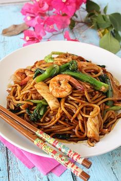 Chow Mein noodles with shrimp. Mee...I did and its gooooodddd!!!