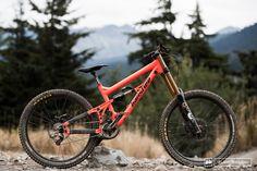 Banshee Darkside Prototype; 180mm park bike. Purty...
