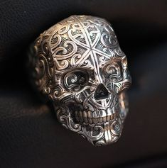 After the Hemonga skullring and cufflinks, we'll soon release theYou can find Skull je. Mens Skull Rings, Skull Jewelry, Jewlery, Gothic Jewellery, Geek Jewelry, Biker Rings, Skull Fashion, Fashion Goth, Coin Ring