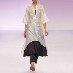 Ecru & grey embroidered silk chanderi kurta set  #dresses #women #fashion #clothing #womenclothes #onlineshopping #designerdresses #TadpoleStore #Indiandesigners #kurta