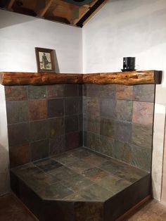 Wood burner hearth with slate tile and log mantel Más Wood Stove Wall, Wood Burning Stove Corner, Wood Stove Surround, Wood Stove Hearth, Corner Stove, Fireplace Hearth, Home Fireplace, Wood Burner, Wood Mantle