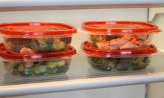 Es cierto que no hay nada más cómodo para transportar comida que los recipientes plásticos. Pero lo que está diseñado para facilitar la vida puede transformarse en una trampa mortal. Estas son las seis comidas que se estropean en el tupper. Huevo crudo