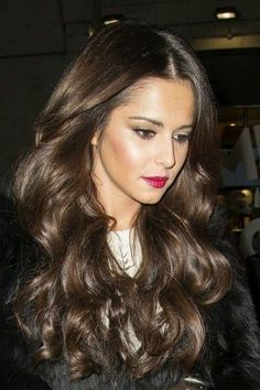 cheryl cole hair and makeup Up Hairstyles, Pretty Hairstyles, Wedding Hairstyles, Cheryl Cole Hairstyles, Ashy Hair, Brunette Hair, Cheryl Cole Makeup, Hailey Baldwin, Cheryl And Liam