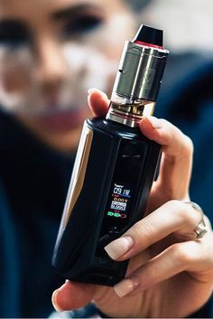 Vaptio Pro is powered by replaceable 18650 cells whose max output reaches High power will bring you a great experience. And the heat resistant drip-tip makes it no more burning lips Vape Tumblr, Quit Smoking Tips, Best Vaporizer, Vape Smoke, Up In Smoke, Vape Tricks, Vape Juice, Helpful Hints, Perfume Bottles
