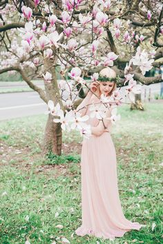Soft Magnolia Portrait Shoot by Miriam Peuser Photography