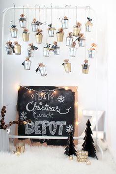 Adventskalender Diy Advent Calendar, Christmas Love, Christmas Ideas, Xmas Crafts, Farmhouse Decor, Projects To Try, Photo Wall, Christmas Decorations, Merry