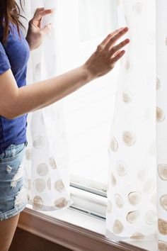 DIY: white dot curtains