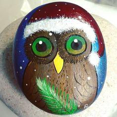 #rachelrox #paintedstones #paintedrocks #rachelsrocks #art #paintings #christmasowl