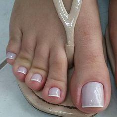 @duane_gomes #littlefeet #soles #solinhas #footfetishnation #sexyfeet #cutefeet #podo #podolatria #pesfemininos #apaixonadosporpes… Toe Nail Color, Toe Nail Art, Nail Colors, French Pedicure, French Nails, Gorgeous Nails, Pretty Nails, Hair And Nails, My Nails