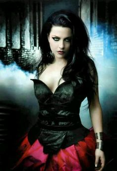 Amy Lee is one of my earliest3 and biggest inspirations ever in my entire existence. Her music, personality, fashion, everything<3
