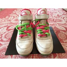 Vintage retro LA gear high tops hi tops sneakers tennies shoes... ($8) ❤ liked on Polyvore featuring shoes, sneakers, 80s sneakers, vintage sneakers, vintage high top sneakers, tennis sneakers and green sneakers