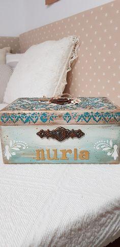 Bed Pillows, Pillow Cases, Decorative Boxes, Home Decor, Decorated Boxes, Pillows, Decoration Home, Room Decor, Home Interior Design