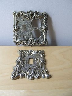 Pretty vintage switchplate covers.