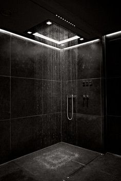 Luxury bathroom design for inspiration and ideas for your bathroom decor. Marble and natural stone flooring and walk-in shower. Usage of white and black interior designs. Dark Bathrooms, Dream Bathrooms, Luxury Bathrooms, Bathroom Black, Master Bathrooms, Tile Bathrooms, Minimal Bathroom, Concrete Bathroom, Luxury Rooms
