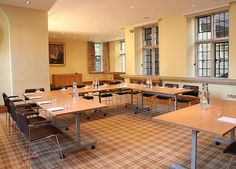 University College Oxford Conference Facilities - Swire Seminar Room. U-shape seating up to 18 Details at Univ.ox.ac.uk