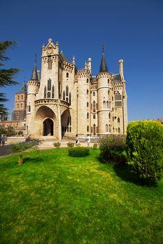 Gaudí's Palacio Episcopal de Astorga, León, Spain