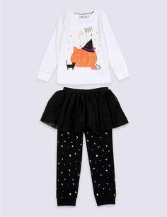 For Disney? Toddler Halloween Outfits, Mode Halloween, Halloween Fashion, Halloween Clothes, Halloween Ideas, Pyjamas, Pumpkin Tutu, Moon Print, Baby Steps