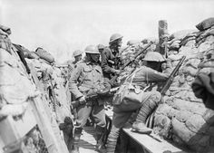 MINISTRY INFORMATION FIRST WORLD WAR OFFICIAL COLLECTION (Q 580)   Men of the 2nd Australian Division in the front line at Croix du Bac, near Armentieres, 18 May 1916.