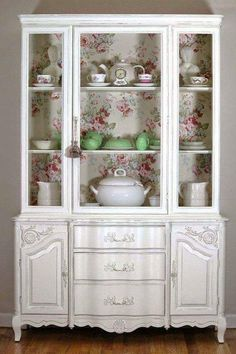 Awesome DIY Shabby Chic Furniture Makeover Ideas – Crafts and DIY Ideas - Dekoration Ideen 2019 Shabby Chic Kitchen, Shabby Chic Style, Shabby Chic Decor, Shabby Vintage, Vintage Decor, Paint Furniture, Furniture Makeover, Furniture Ideas, Furniture Design