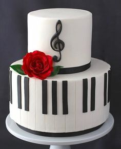 Musikalischer Kuchen - Decoración con Fondat y Pasta de Goma - Music Themed Cakes, Music Cakes, Beautiful Cakes, Amazing Cakes, Fondant Cakes, Cupcake Cakes, Bolo Musical, Rodjendanske Torte, Piano Cakes