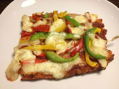 Fitness Recipes – Cauliflower crust pizza by Fitness Recipes Grilling Recipes, Crockpot Recipes, Chicken Recipes, Healthy Foods To Eat, Healthy Eating, Healthy Recipes, Healthy Pizza, Gf Recipes, Healthy Cooking