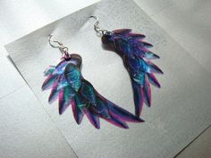 Dragon Scale Wing earrings, Purple, iridescent with sterling silver ear wires, latch back and clip on version available Dragon Scale Wing Ohrringe lila schillernden mit von MadMarchMoon - Wire Jewelry Purple Earrings, Purple Jewelry, Wing Earrings, Drop Earrings, Silver Jewellery, Silver Earrings, Chakra Armband, Dragon Scale, Dragon Wing
