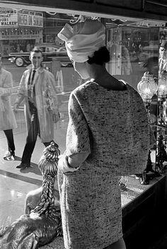 Frank Horvat - Fashion in Streets | LensCulture