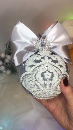 Handmade Christmas Decorations, Diy Christmas Ornaments, How To Make Ornaments, Christmas Time, Christmas Ideas, Recycled Wedding, Wedding Dress Crafts, Handmade Angels, Fabric Ornaments
