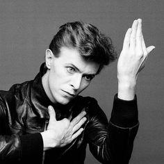 David Bowie (1947 - 2016). Photographies issues de l'exposition David Bowie Is, à la Philarmonie de Paris en 2015.