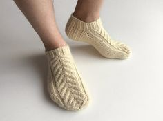 Braid Cable Ankle Socks - Hand Knitted - 100% Natural Unbleached Wool Yarn - Winter Eco Clothing - Cozy Holidays