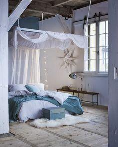Matières, ciel de lit