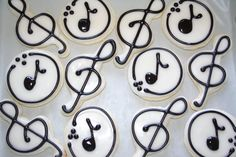 The Cookie Mama: Senior Piano Recital Cookies Best Sugar Cookies, Iced Cookies, Cute Cookies, Easter Cookies, Royal Icing Cookies, Chocolate Chip Cookie Delight Recipe, Cookie Designs, Cookie Ideas, Cookie Recipes