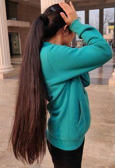 Long Hair Ponytail, Ponytail Hairstyles, Cool Hairstyles, Very Long Hair, Beautiful Long Hair, Layered Cuts, Female Images, Big Hair, Braids
